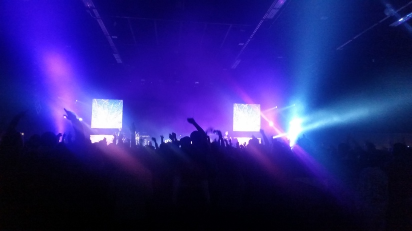 Crowd rocking with Andy Mineo